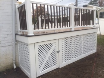 Trex White Railing with Vintage Lantern Balusters