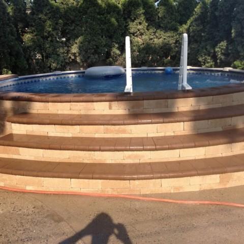 Round Pool Steps