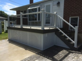 Trex White Railing with Black Round Balusters