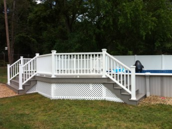 Trex Gravel Path Deck with White Railings