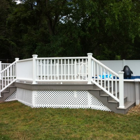 Trex Gravel Path Deck with White Railings