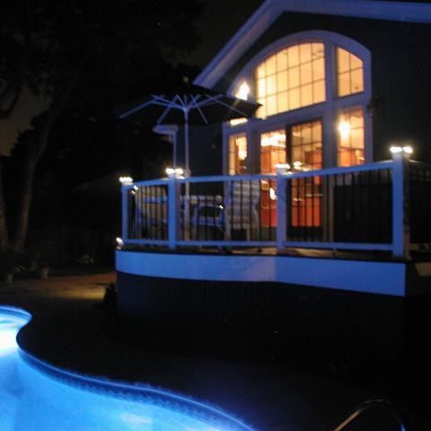 Trex Curved Pool Deck with Lighting